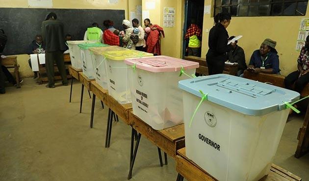 Kenya'da halk devlet başkanını seçmek için sandık başında