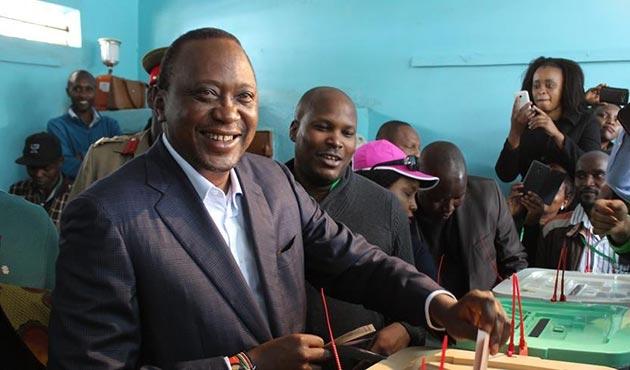 Kenya'da Uhuru Kenyatta ikinci kez devlet başkanı