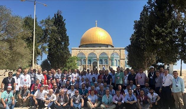 MÜSİAD heyeti Filistinlilere destek için Mescid-i Aksa'da
