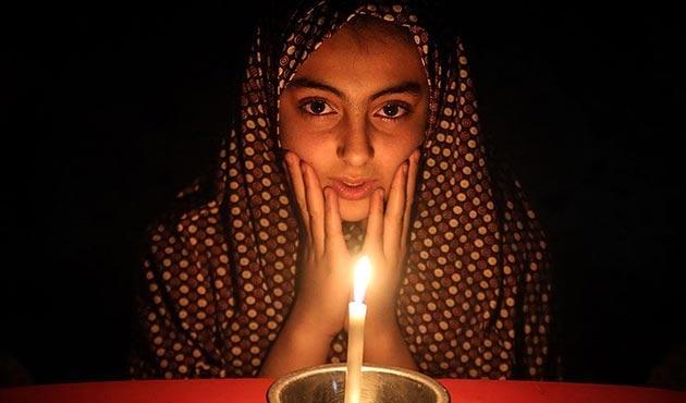 İsrail, borçların ödenmemesi durumunda Filistin'in elektriğini kesecek