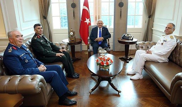Başbakan Yıldırım, görev süresi dolan kuvvet komutanlarını kabul etti