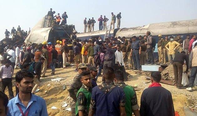 Hindistan'daki tren kazasında en az 10 ölü, 65 yaralı