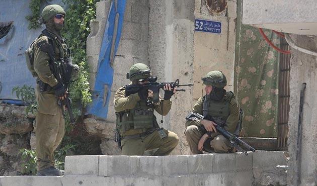 İşgal güçleri Kudüs'te 10 Filistinli genci yaraladı