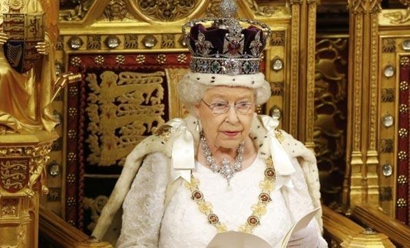 Kraliçe 2. Elizabeth'in tahtı bırakacağı iddiası