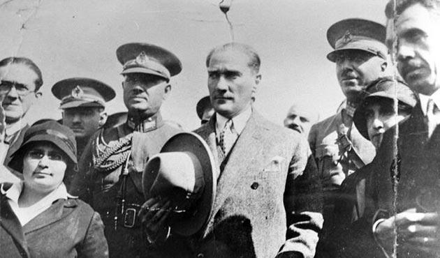 Tarihte bugün (25 ağustos): Mustafa Kemal Kastamonu'da şapka inkılabını anlattı