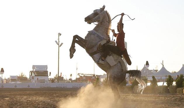 Atlı akrobasi takımı ilk gösterisini Malazgirt'te yapacak