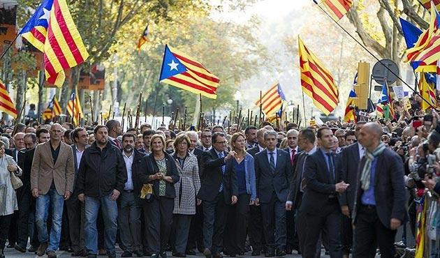 Katalonya, 'İspanya'dan kopma yasası'nı tanıttı