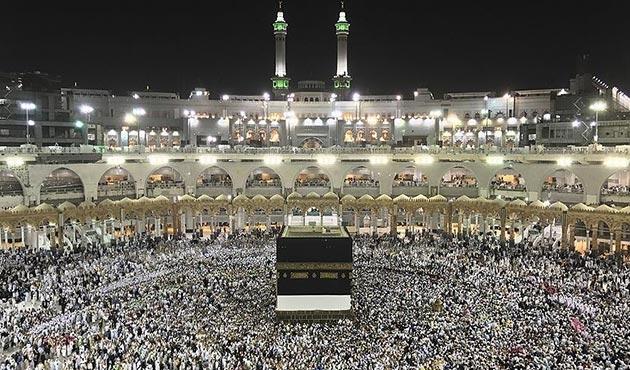 Hac izni olmayan yaklaşık yarım milyon kişi Mekke'ye giremedi