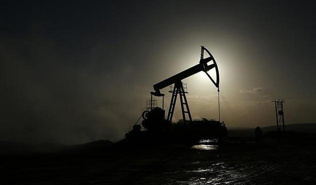 'Suudi Arabistan ve Rusya petrol kısıtlamasını uzatmaya çalışıyor'