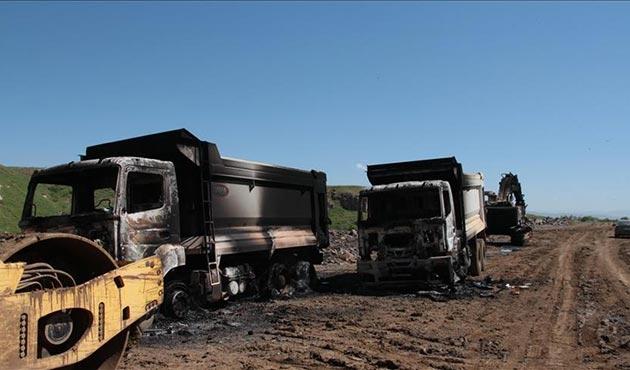 Siirt'te PKK'lılar iş makinelerini yaktı