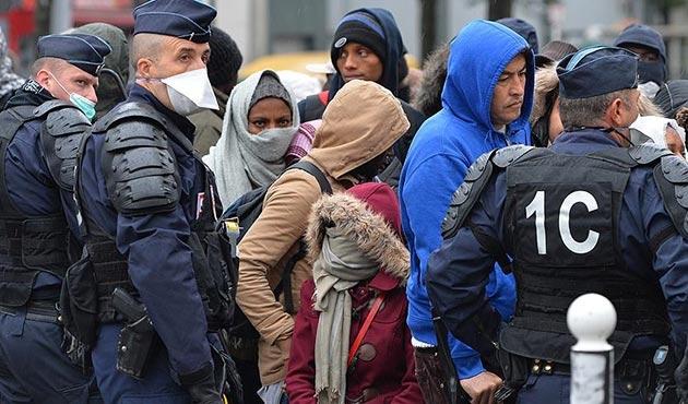'Paris'teki sığınmacılara sistematik taciz uygulanıyor'