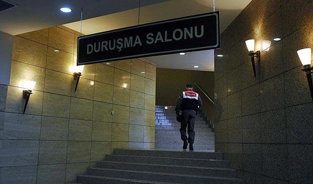 Antalya'da gözaltına alınan iki Alman'dan biri serbest
