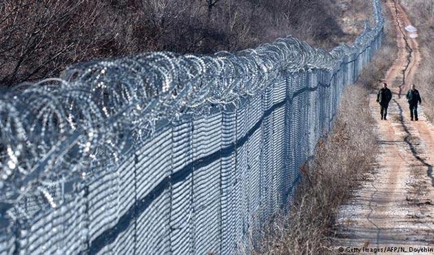 Bulgaristan'da Türkiye sınırına tel örgü krizi!