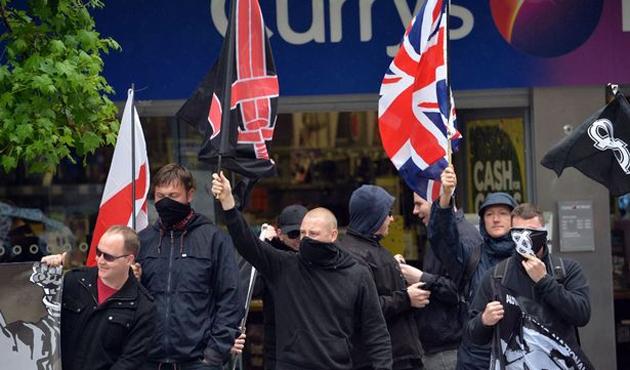 İngiltere'de 4 asker terör suçlamasıyla gözaltında