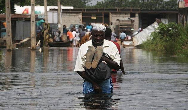 Nijerya'da sel 10 bin insanı evinden etti
