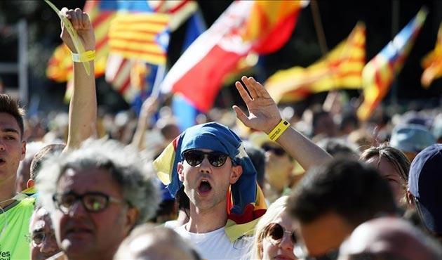 Katalonya krizi İspanya ekonomisini vurmaya başladı