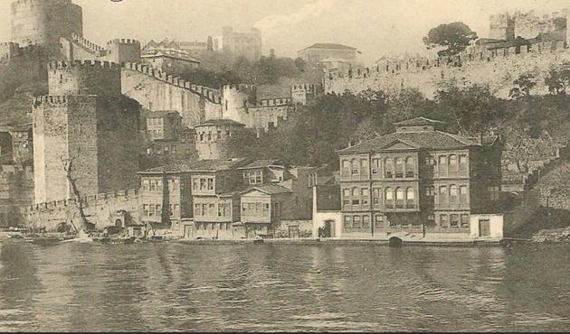 İçinden Rumelihisarı ve İstanbul'un fethi geçen bir sohbet