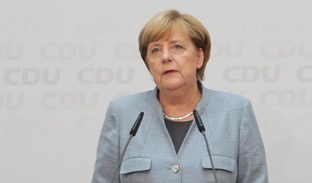 Merkel'in 'Jamaika koalisyonu' kurma maratonu başlıyor