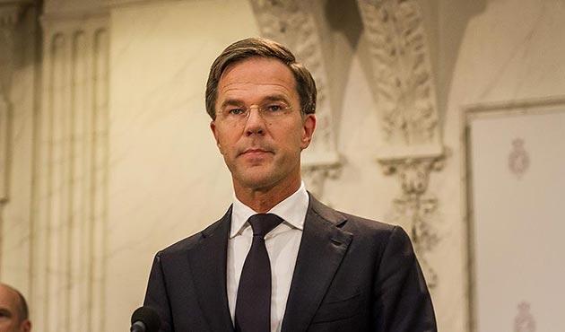 Hollanda'da yeni hükümeti kurma görevi Rutte'a verildi