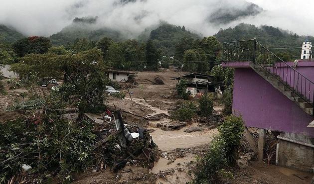Vietnam'da sel ve toprak kaymasında 37 ölü