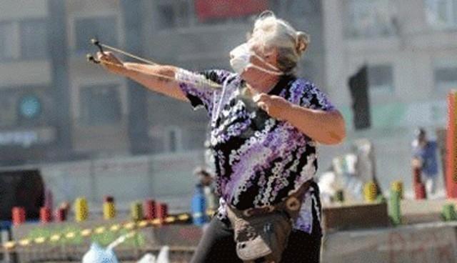 'Gezi'nin sapanlı teyzesi' DHKP/C üyeliğinden tutuklandı
