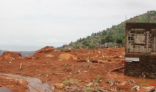 Vietnam'daki sel ve toprak kaymasında ölü sayısı 54'e yükseldi