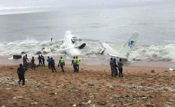 Fildişi Sahili'nde düşen kargo uçağından Fransız askerleri çıktı