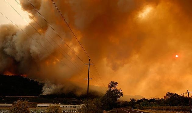 Kaliforniya'daki orman yangınları 6 bine yakın binayı kül etti