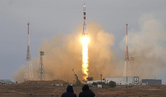 Soyuz 2-1a roketi Uluslararası Uzay İstasyonu'na fırlatıldı