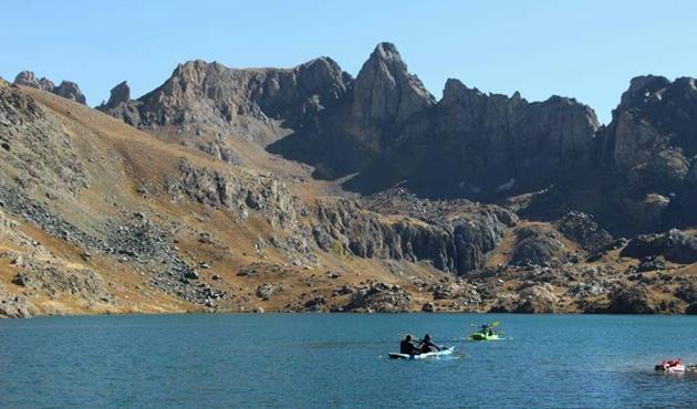 Hakkari Dağları'nda kano keyfi