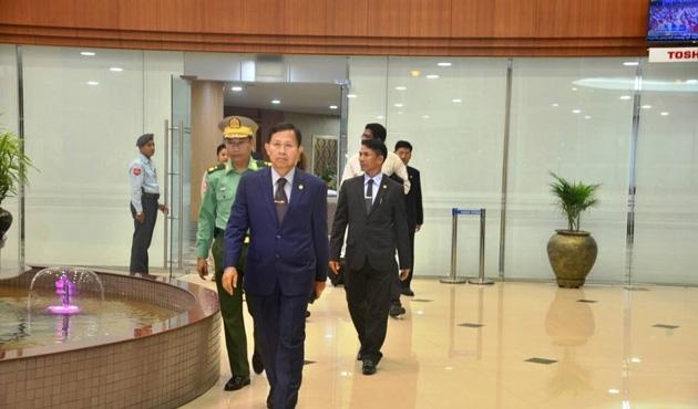 İsviçre'de Myanmar ordu heyetinin ziyaretine tepki