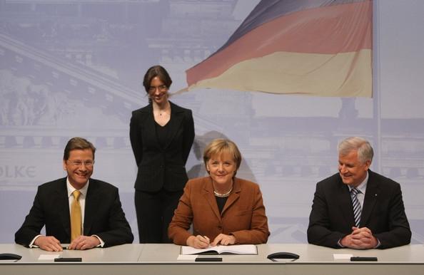 Almanya'da hükümet kurma çalışmaları başladı