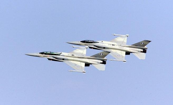 Yunanistan 90 F-16'sını modernize edecek