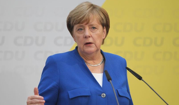 Merkel: Türkiye'ye karşı sözümüzü tutmalıyız