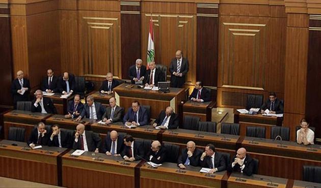 Lübnan Meclisi'nde 12 yıl aradan sonra bir ilk