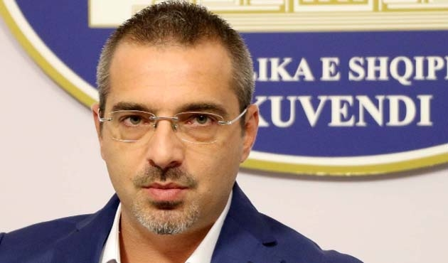 Arnavutluk eski İçişleri Bakanı'na tutuklama istemi