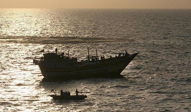 Yemen, İran gemisini alıkoydu