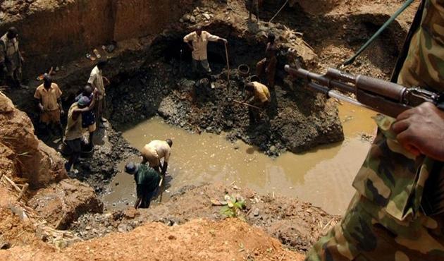 Kongo Demokratik Cumhuriyeti'nde altın madeninde heyelan