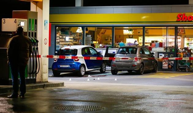 İsviçre'de baltalı saldırgan 8 kişiyi yaraladı