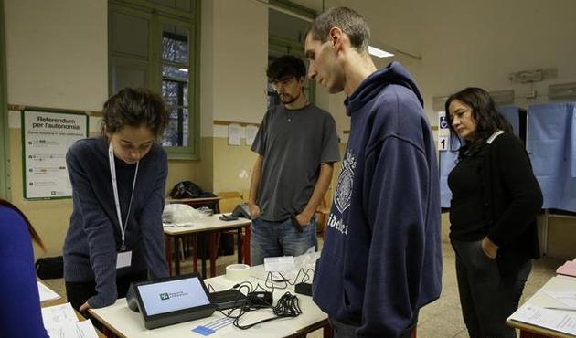 İtalya'nın kuzeyindeki özerklik referandumundan 'Evet' çıktı