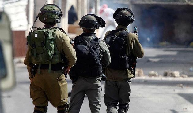 İşgal güçleri Batı Şeria'da 19 Filistinliyi gözaltına aldı