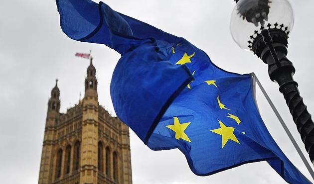AB, Birleşik Krallık için vergi incelemesi başlattı