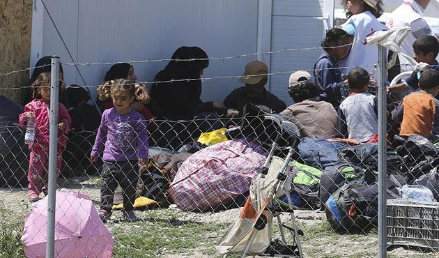 Yunan adalarında 3 binden fazla sığınmacı zor durumda