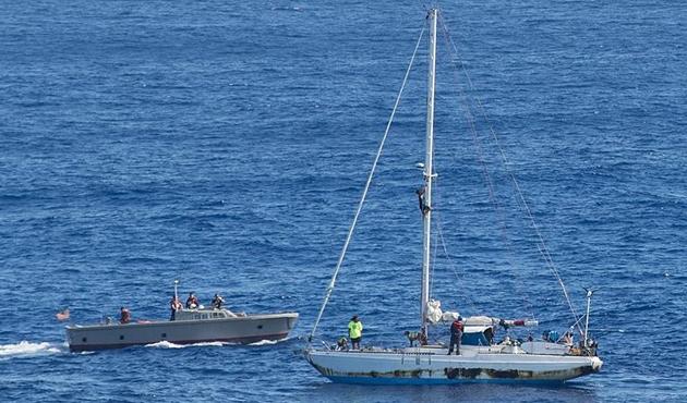 Pasifik Okyanusu'nda 5 ay mahsur kalan denizciler kurtarıldı