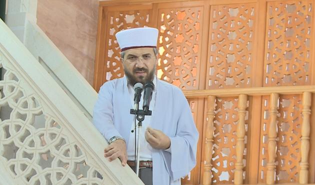 İlahiyatçı vaiz İhsan Şenocak açığa alındı