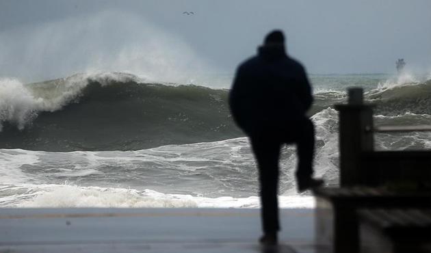 Fransa'da şiddetli fırtına alarmı