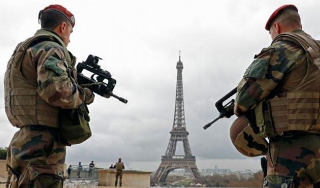 Fransa'da 2017'de 'radikalleşen' 20 yabancı sınır dışı edildi