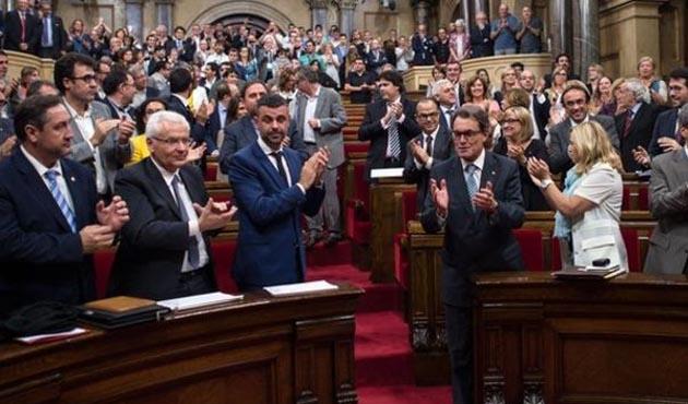 İspanyol yargısı Katalan ayrılıkçıları ifadeye çağırdı