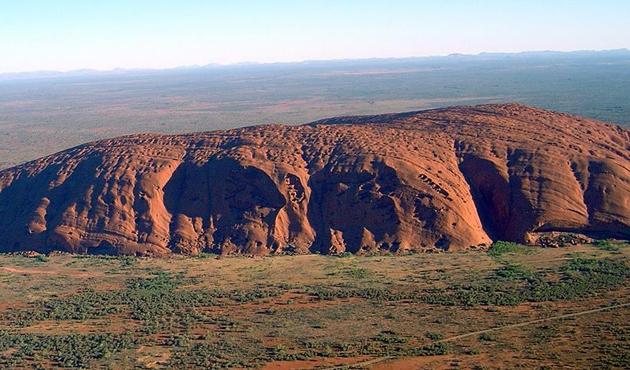 Avustralya'dan Aborijinlerin kutsal kayasına yasak