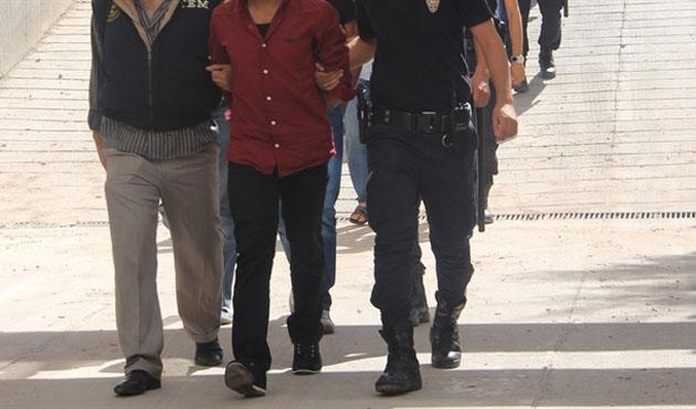 Askeri yasak bölgede 5 kişi yakalandı